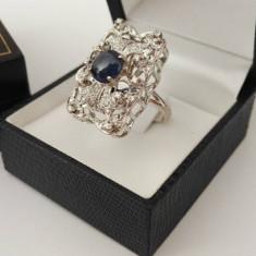 Inel aur alb 18k cu safir cabochon si diamante - Inel diamant