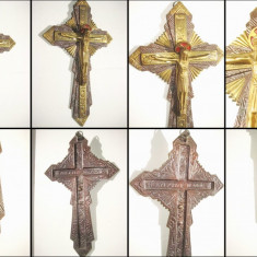 Crucifix stil gotic vechi bronz masiv aurit sculptat si gravat.