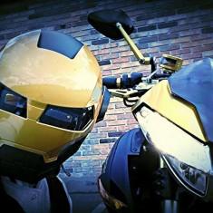 Benelli Cafe Racer 1130 Motocicleta cu masina