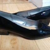 Pantofi din piele firma Gabor marimea 39, sunt noi!