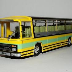 Macheta autobuz BERLIET CRUISAIR 3 - 1969 scara 1:43