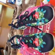 Skechers dama floral - Adidasi dama Skechers, Culoare: Multicolor, Marime: 40