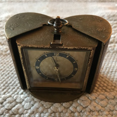 Nr 422 Ceas miniatura de voiaj in forma de cufar, functional