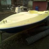 Barca - Barca cu motor