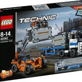 LEGO® Technic Container Yard 42062