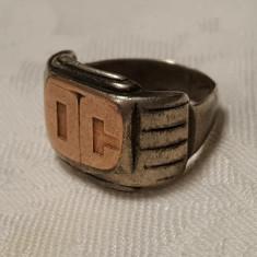 Inel argint masiv tip ghiul VECHI Masiv cu partea din centru aurita Vintage