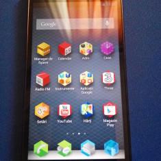 Huawei Ascend P2 4G camera 13 MP 2G Ram 16G Hdd - Telefon mobil Huawei Ascend P6, Negru, 16GB, Neblocat