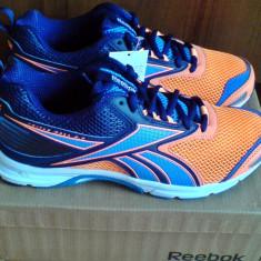 Adidasi Reebok Triplehall 5.0 41EU -produs original- IN STOC - Adidasi barbati Reebok, Culoare: Orange