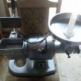 masina de tocat multifunctionala