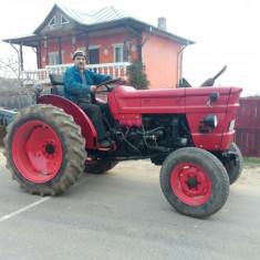 Tractor U445 cu plug