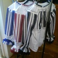 Ie tradițională din zona Sibiu Făgăraș - Costum popular