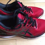 Vand Asics Gel Nimbus 18 rosu/negru, marimea 44, 5 - Adidasi barbati