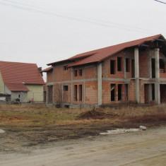 Casa de vanzare + teren 300 mp in Livada
