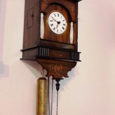 Ceas de perete cu pendula Padurea Neagra, anii 1800