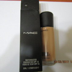 FOND TEN MAC MATCHMASTER -35 ML ---SUPER PRET, SUPER CALITATE!03 - Fond de ten Mac Cosmetics