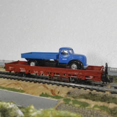 Vagon plarforma marklin cu incarcatura camion scara ho - Macheta Feroviara Alta, 1:87, Vagoane