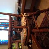 scaun de mancat pt.copiii ,vechi din lemn de fag