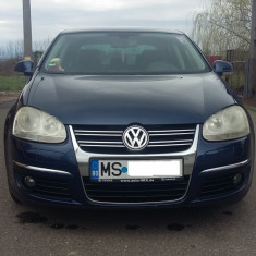 VW Jetta 1, 6 FSI cutie manuala cu 6 viteze, 115 cp, 126, 524 km, An Fabricatie: 2006, Benzina, 1600 cmc