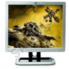OFERTA SPECIALA !! Monitor LCD 17