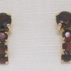 Cercei aur 8 carate cu granate, Carataj aur: Nespecificat