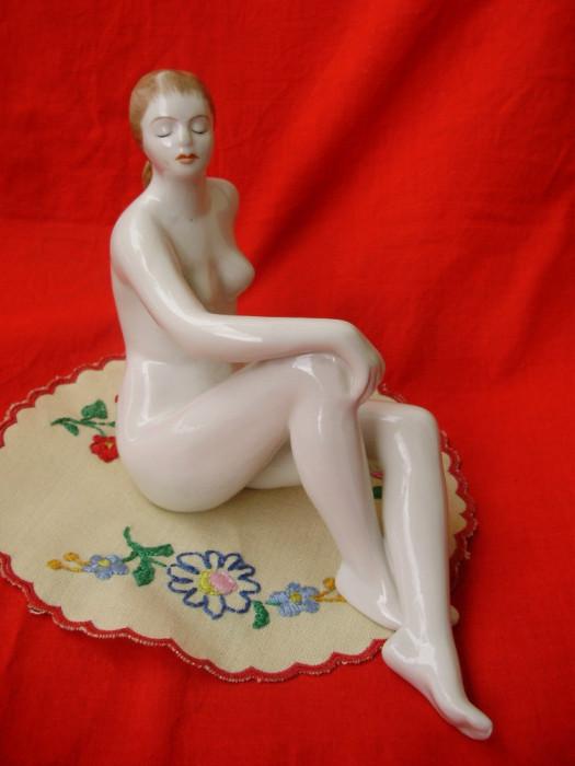 bibelou nud maghiar