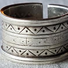 Inel argint TRIBAL Lat reglabil cu bordura Gravat manual SUPERB marcaj vechi RAR
