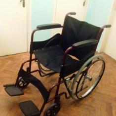 Carucior pliabil pentru persoane cu handicap (dizabilitati) - Scaun cu rotile