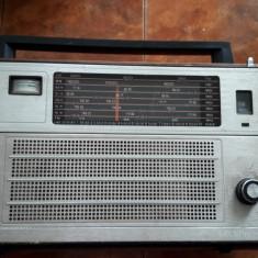 RADIO SELENA B 216 . FUNCTIONAZA DOAR PE MEDII !