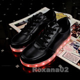 Adidasi LED. Pantofi sport cu LUMINI LED RGB. Negru Marimea: 38