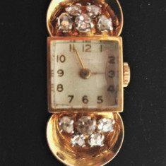 Ceas din aur `18k decorat cu diamante