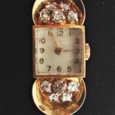 Ceas din aur `18k decorat cu diamante - Ceas de mana