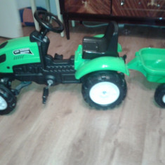 Tractoras pentru copii Falk
