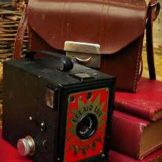 APARAT DE FOTOGRAFIAT FRANȚUZESC TIP CUTIE FOTO - CORONET BOX ECLAIR LUX, VECHI! - Aparat de Colectie