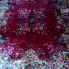 Cuvertura de pat vintage foarte frumoasa