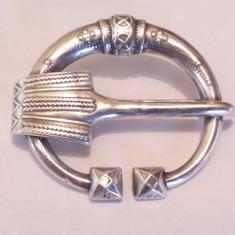 Veche Brosa argint 925, Anglia