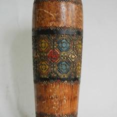 Vaza de lemn, realizata in stil traditional romanesc, perioada interbelica - Arta Ceramica