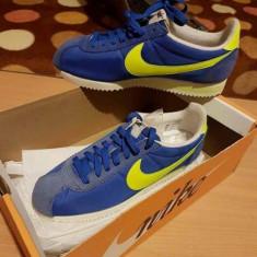 Vand Adidas Nike Originali Uk - Adidasi barbati Nike, Marime: 40.5, Culoare: Albastru