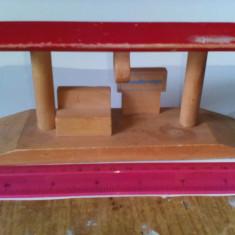 bnk jc Thomas si prietenii - peron pentru diorama - lemn