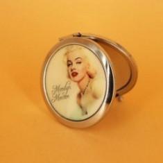 Oglinda de geanta imagini cu Marylin Monroe. Setul contine 4 modele.