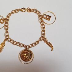 Superba bratara 9k GOLD FILLED cu banut si pandantive - Bratara placate cu aur