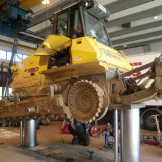 Servicii de reparat tractoare, camioane si utilaje