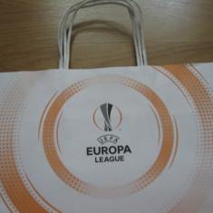 Fotbal / Europa League - punga de hartie pentru cadouri / 41 x 32 cm