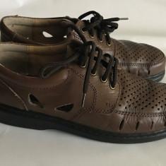 Sandale din piele pentru barbati, marca Original Newport byHLF mar.41 - Sandale barbati Adidas, Culoare: Maro