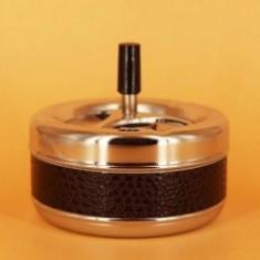 Scrumiera cu capac confectionata din metal. SCR013