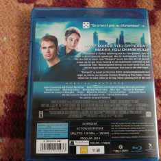 Film DIVERGENT SPECIAL edition 2 DISC EDITION film + Specil Features BLU RAY - Film actiune Altele, Engleza