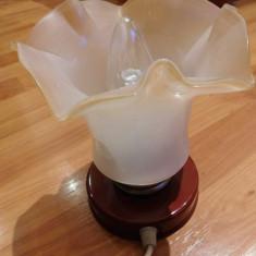 Veioza vechecu abajur din sticla, marca Gutilux