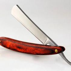 brici clasic pentru barbierit / ras, cu lama ce se ascute cu maner din lemn