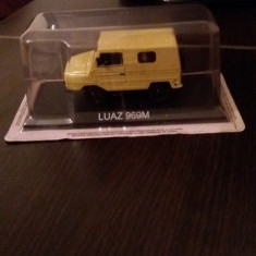 Macheta luaz 969m+revista masini de legenda nr. 28 - Macheta auto, 1:43