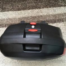 Sidecase-uri GIVI V35 - Top case - cutii Moto
