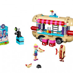 Furgoneta de hot dog din parcul de distractii (41129) - LEGO Friends